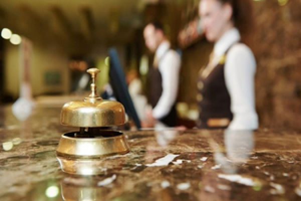 hotel-front-desk-manager-blog5131C558-3CE8-196E-F268-340016B9EDF8.jpg